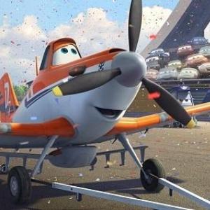 ディズニー最新作は「高所恐怖症」の飛行機!? 空飛ぶスピード感あふれる『プレーンズ』予告編解禁