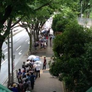 渋谷のマクドナルドに1000人以上の行列が! 入店までに3時間のファーストフード