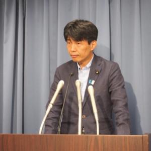 山本一太・内閣府特命担当大臣定例会見「『ドラクエ10』の中のコミュニケーションのされ方や空間が面白かった」(2013年7月16日)