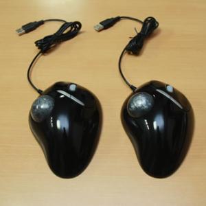 2社から同時期に発売!? 5ボタンマウス型トラックボール製品レビュー