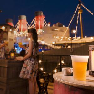 夜景とともに楽しむオトナのディズニーシー! 「フローズンカクテル」はお洒落デートにぴったり