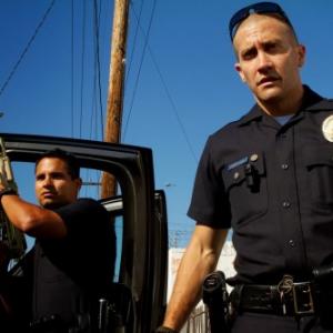 """警察が監修、常に防弾チョッキ着用……リアル""""警察24時""""な映画『エンド・オブ・ウォッチ』"""