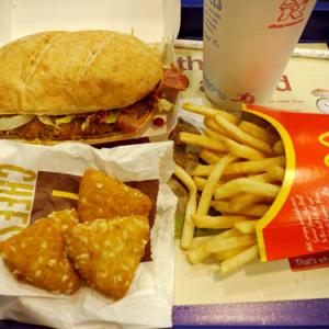 イギリスで超ウマーなマクドナルド新メニュー発見! 直訳すると鶏伝説バーガー!