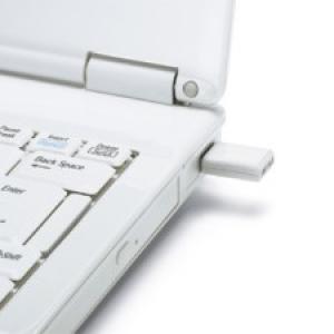 バッファロー、Wi-Fi・無線LAN対応ゲーム機用の超小型Wi-Fi USBコネクタ発売へ