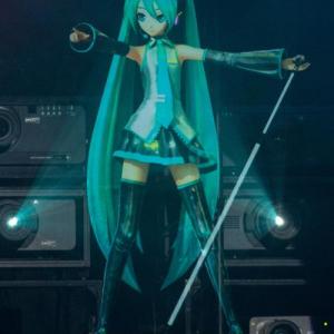 【ネギマガ】初音ミクのイベント『マジカルミライ2013』が横浜アリーナで開催! 緑のサイリウムでライブが大にぎわい