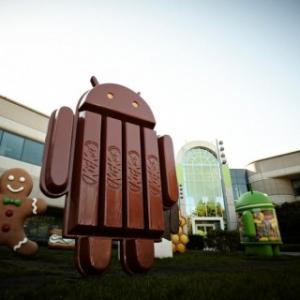 """10月に発表される次期Androidのコードネームは""""KitKat""""になる見込み、Google本社にキットカットで出来たドロイド君模型が設置"""