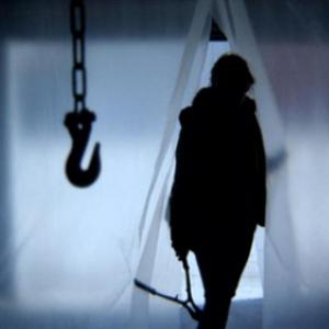 【解禁】ホラー映画界の新鋭アダム・ウィンガード監督『ビューティフル・ダイ』 予告編ついに登場