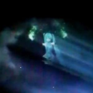 ついにミクさんが本物の天使に! 雲をスクリーンにして映像を映し出す『雲プロジェクト』で初音ミクが天空を舞う!