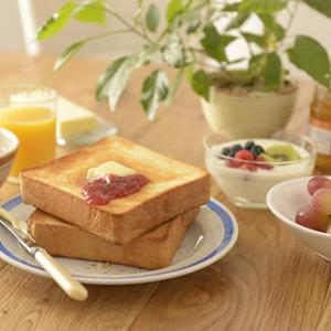 フワフワッ! もっちもち~! 国産小麦100%の食パン「ローソン ウチカフェブレッド」が11月8日から発売