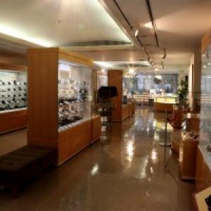 【ガジェット博物館 vol.1】カメラは小さな『部屋』から始まった:日本カメラ博物館