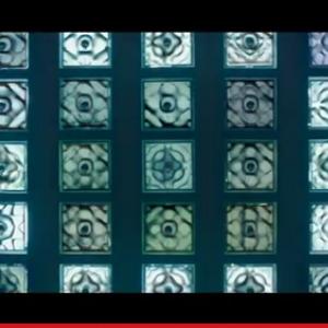 """ずっと眺めていたくなる! ハイレゾウォークマンが不思議な""""クラドニ図形""""を形作る動画『オンガクの結晶』"""
