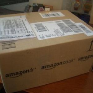 英国Amazonで買ったDVDが届くとこうなる