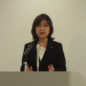 稲田朋美・内閣府特命担当大臣定例会見「新たなクールジャパン会議の立ち上げも視野に入れる」(2013年12月26日)
