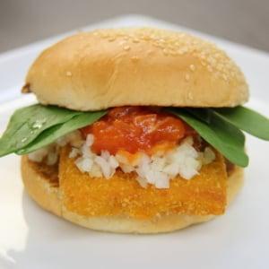 フレッシュネスバーガー新作はチーズがとろけるオトナの味わい!「チキンコルドンブルーバーガー」試食レビュー