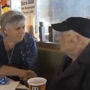 マクドナルドで働く100歳の従業員が話題に! 「体が動く内は辞めるつもりはない」