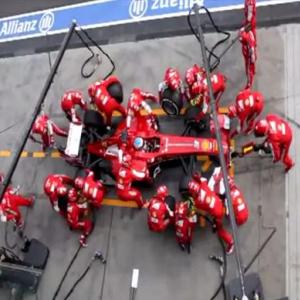 驚異! F1の速すぎるピットクルーのタイヤ交換! わずか3秒弱