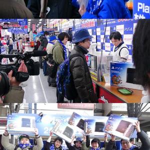 『PlayStation 4』発売にアキバヨドバシカメラに大行列 「ベルジャネーゾ」コスプレがインタビューされる(動画)