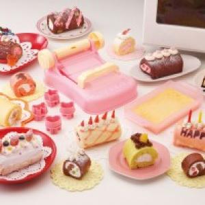 デコレーション自由自在! かんたんにロールケーキを自作できるクッキングトイ