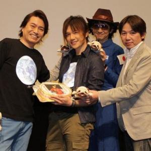 『宇宙兄弟』KENN誕生日サプライズにニッコリ「平田広明さんは家族のような存在」