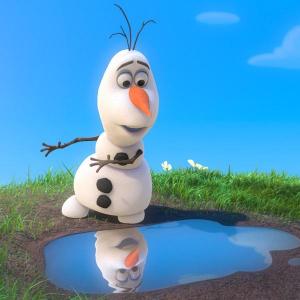 『アナと雪の女王』名脇役のオラフ&スヴェン 面白すぎ可愛すぎの特別映像!