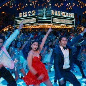 映画を観ながら踊りまくれッ! インド映画『スチューデント・オブ・ザ・イヤー 狙え!No.1!!』マサラディスコ上映