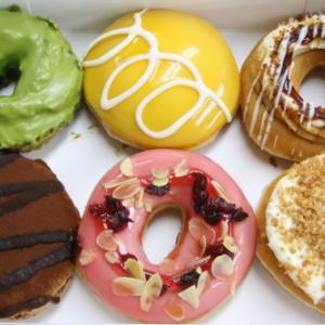 世界のドルチェがドーナツに! クリスピー・クリーム・ドーナツ『ワールド ドルチェ ボックス』を試食してみた