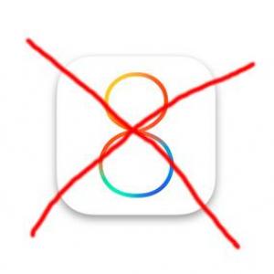 """""""iOS 8""""に現時点で対応していないアプリ 『Chrome』は全く使えず『LINE』はスタンプのみ使用不可"""
