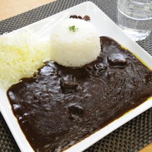 【お取り寄せ】黒ならではの深み! シェフこだわりの味をお家で楽しめる『ホテル黒カレー』