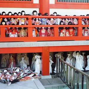 和歌山・加太の淡嶋神社 境内に並ぶ人形・人形・人形!