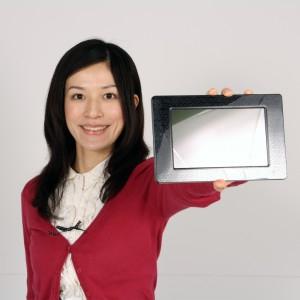 3DメガネなしでOK! 動画、写真が飛び出す『3Dデジタルフォトフレーム』