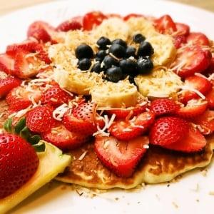 【ひと先試食】生地がもっちもち! ハワイの贅沢パンケーキブランド『モエナカフェ』が日本上陸