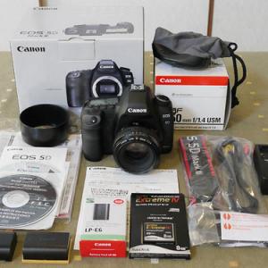 家族に内緒でキヤノンの高級カメラを購入したお父さん、家族会議の結果泣く泣く出品するハメに……