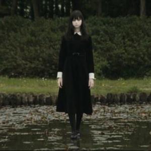 映画『零~ゼロ~』予告編解禁 学園内に現れる美少女の幻が綺麗コワい[ホラー通信]