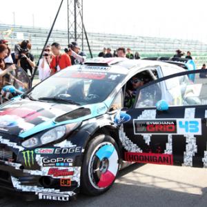 【カーレビュー番外編】日本よ!これがドリフトだ! 世界的ドライバー ケン・ブロックに同乗してみた【動画あり】