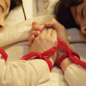 """女の子同士にも """"運命の赤い糸""""? 恐くも美しい『劇場版 零~ゼロ~』は美少女ファン必見"""