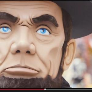 """米国発の""""ゆるキャラ""""が大阪観光? リンカーンっぽいキャラが何かを企んでいるらしい"""