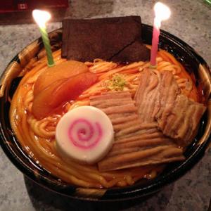 ラーメン・かつ丼・オムライス……マジそっくりなケーキを売っている「メイプリーズ新宿店」
