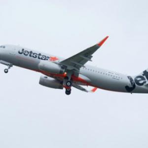 【動画】緊急着陸したジェットスターの乗客が撮影 「頭を下げてー!」の声が緊張を誘う