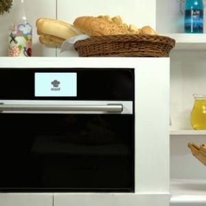 今度はスマートオーブン!調理法を教えてくれるタッチスクリーン付きの「MAID」
