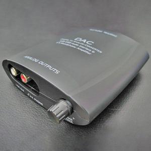 コンパクト設計! 高音質な音を再現するD/Aコンバータ搭載USBヘッドホンアンプ