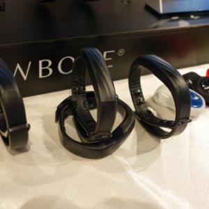 JAWBONEのリストバンド型活動量計『UP3』は1月に国内発売へ 心拍数や温度も計測できるマルチセンサー仕様