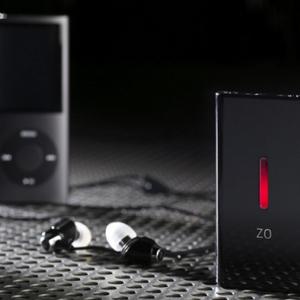 『iPhone/iPod』などの音質を向上するサブウーファー『ZO Personal Subwoofer』