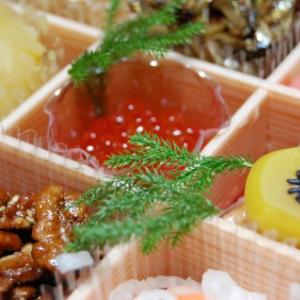 昔は鶴をおせち料理にしていたことも!? 意外に謎が多いおせち料理の由来