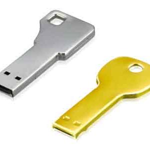 キーケースにぴったり 鍵にそっくりな『カギ型USBフラッシュメモリー』
