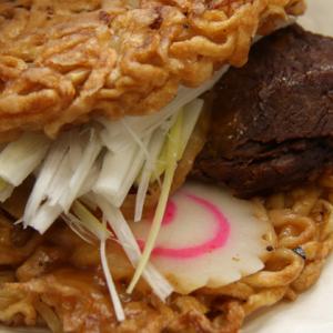 【試食レビュー】福島発『喜多方ラーメンバーガー』食べたよー!