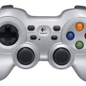 ゲーム機感覚! ロジクールがXInput対応のPC用ゲームパッド3機種を発売へ