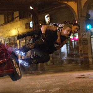 テイタム&ミラがノースタントで挑む激アツアクション! SF大作『ジュピター』新動画