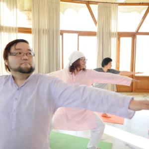 ヨガやべえ!癒やしを得る瞑想方法をインドで学ぶ
