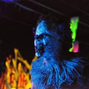 ピエロ衣装脱げない父が怪物に イーライ・ロス製作ホラー『クラウン』予告編解禁