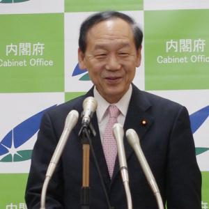 山口俊一・内閣府特命担当大臣閣議後会見 「きゃりーぱみゅぱみゅもテレビで見ている」(2015年2月27日)